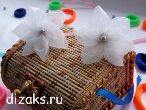 Резинки   для  волос  с цветами из органзы