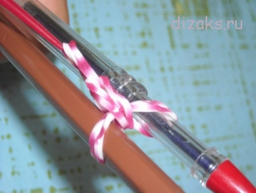 плетение браслета из резинок