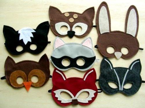 Как сшить карнавальную маску из ткани