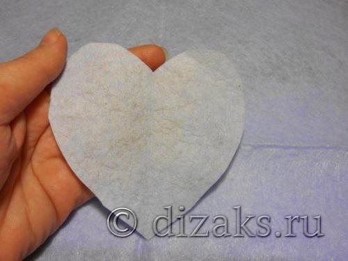 вырезать сердце из фетра