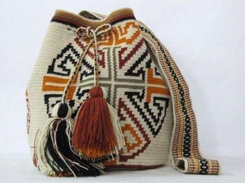 Миниатюра к статье Вяжем сумку-торбу: колумбийская мочила крючком