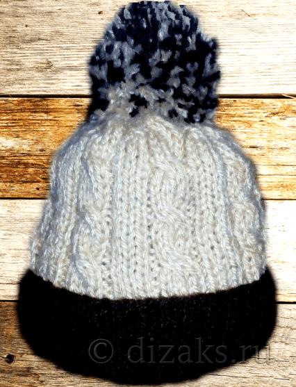 детская шапочка с косами и помпоном