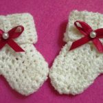 Миниатюра к статье Вяжем простые носочки крючком для новорожденного
