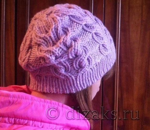 шапка спицами с плоскими косами