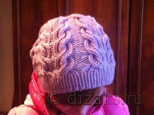 плоские косы спицами на шапке