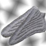 Миниатюра к статье Вяжем тапочки-носки двумя спицами: с подошвой и без шва