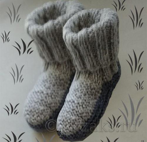 Миниатюра к статье Теплые тапочки-носки спицами