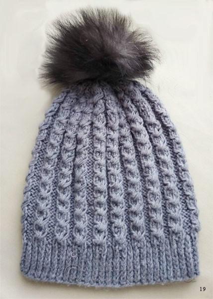 шапка-чулок с помпоном