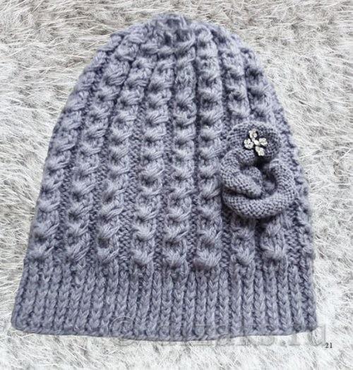 пришить украшение к шапке-чулку